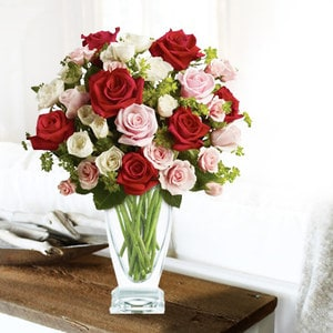 Touch of Love with Red Roses | Buy Flowers in Dubai UAE | Gifts