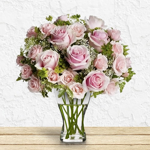 Delightful   Buy Flowers in Dubai UAE   Gifts
