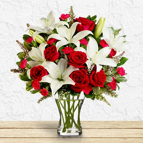 Lavish & Grand | Buy Flowers in Dubai UAE | Gifts