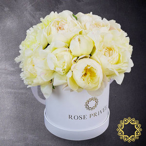 Snow White by Rose Privee| Buy Flowers in Dubai UAE | Gifts