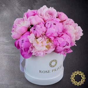 Pink Panther by Rose Privee | Buy Flowers in Dubai UAE | Gifts