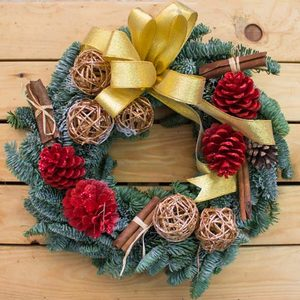Christmas Traditions Wreath | Send Christmas Gifts and Flowers in Dubai UAE