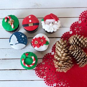 6 Christmas Cupcakes | Buy Desserts in Dubai UAE | Gifts