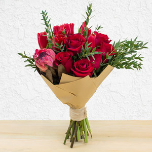 French Kisses | Buy Flowers in Dubai UAE | Gifts