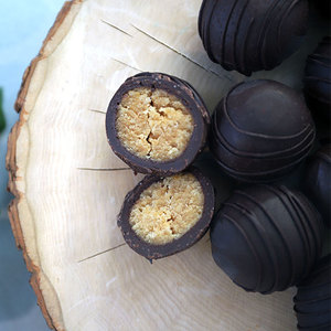 Vegan Lotus Truffles | Buy Desserts in Dubai UAE | Gifts