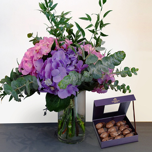 Embrace Beauty Package with Godiva Dates | Buy Flowers in Dubai UAE | Gifts