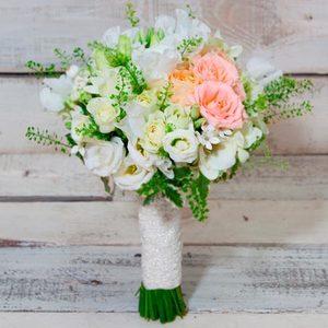 He Stole Her heart | Buy Flowers in Dubai UAE | Gifts